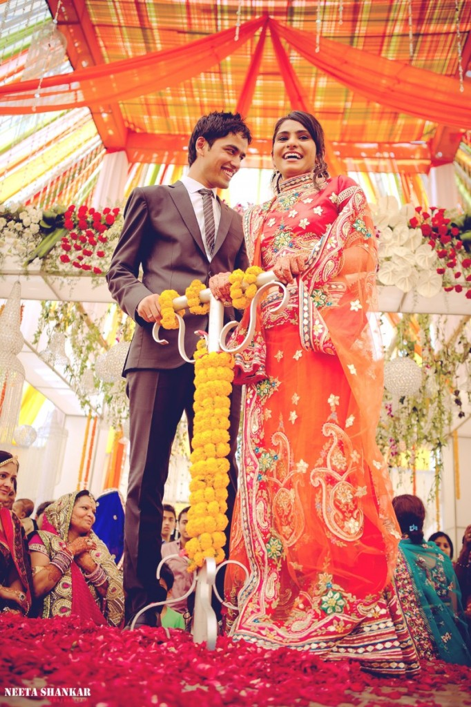 Dheeraj-Ankita-Candid-Wedding-Photography-Ashirwad-Kalyan-Mantap-Bangalore-India-Neeta-Shankar-Photography_27e