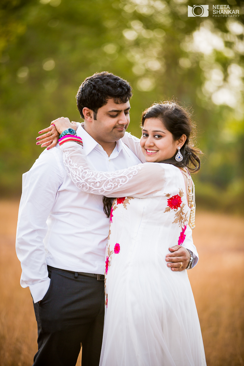 Neeta Shankar Photography Hesarghatta Grasslands Pre Wedding Couple
