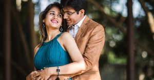 Neeta-Shankar-Photography-Pre-Wedding-Shoot-Tamarind-Tree-Beautiful-Couple-Best-Location